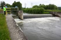 Řeka Desná u Šumperku během poledne v úterý 4. června 2013.