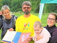 Iniciativa DĚTI DĚTEM uspořádala už několik akcí na podporu nemocné Elenky Vojtkové z Olomouce.