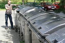 Více něž čtyři tisíce neplatičů dluží do městské kasy přes dva a půl milionu korun. Největší nedoplatky jsou za likvidaci odpadu.