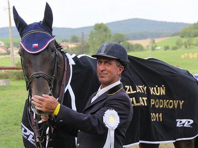 Zlatý kůň Zlaté podkovy 2011 - Dallas 1