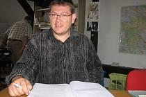 Karol Chwistek spolu s dalšími členy ČSSD napadá výsledky auditu a požaduje zveřejnění jeho plné verze.