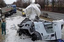 Nehoda dvou kamionů u Palonína zavřela R35 od |Olomouce  na Mohelnici