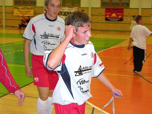Sedmnáctiletý šumperský futsalista Ladislav Václavský odchází do kabin po utkání s Jistebníkem.