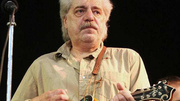 Robert Křesťan, zpěvák kapely Druhá tráva