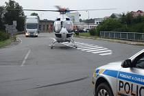 Při čelní srážce dvou aut na křižovatce Olomoucké ulice se sjezdem z dálnice D35 a jižním obchvatem v Mohelnici se v sobotu 20. srpna zranilo pět lidí. Jednoho zraněného musel do nemocnice trasportovat záchranářský vrtulník.