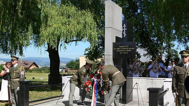 Památník obětem vypáleného Českého Malína z ukrajinské Volyně