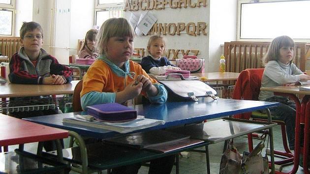 Děti v základní škole v Supíkovicích (ilustrační foto)