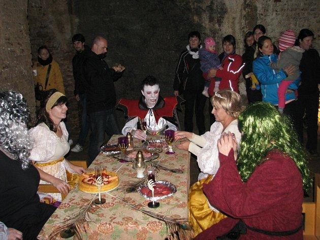 Nejrůznějším strašidlům patřil v sobotu 25. října večer zámek v Úsově, kde se konaly oslavy Halloweenu.