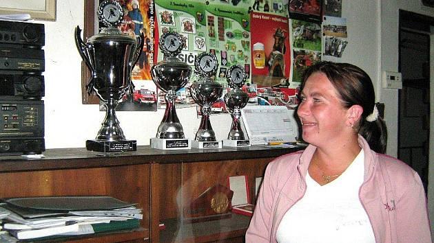 Libuše Krčmová je jednou z osmi žen, které jsou členkami Sboru dobrovolných hasičů Mikulovice