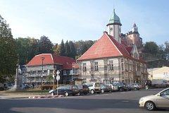 Radnice v Javorníku se zatepluje.