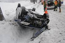 Dopravní nehody na Jesenicku v úterý 12. února.