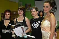 Nikola Štenclová se stala vítězkou školního kola kadeřnické soutěže Color Cup 2008.