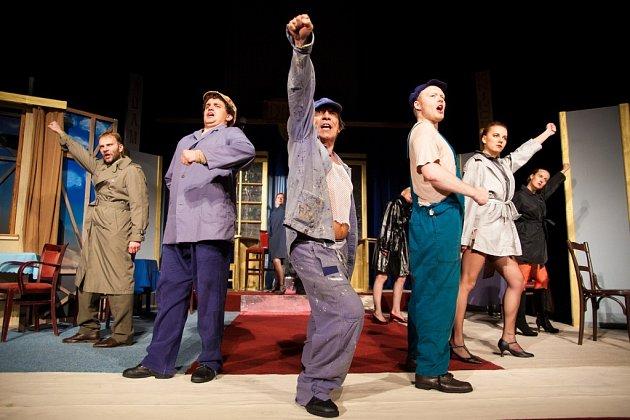 Šumperské divadlo uvedlo v sobotu 2. listopadu druhou premiéru letošní sezony – hru Světáci.