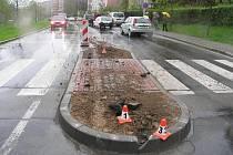 Nový ostrůvek na Lidické ulici překvapil dva řidiče