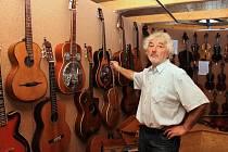 Stálá výstava hudebních nástrojů v Ostružné.