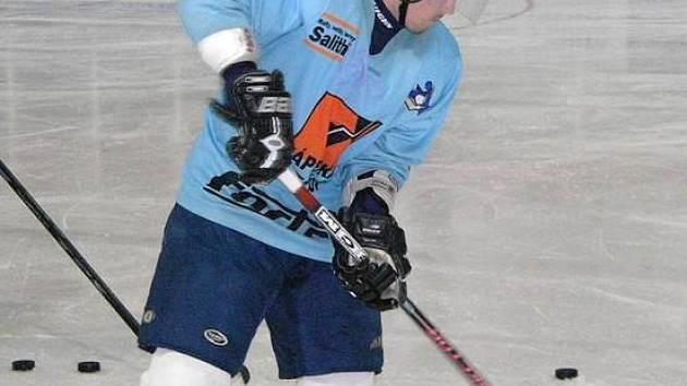 Alexej Denisov během tréninku s Draky.