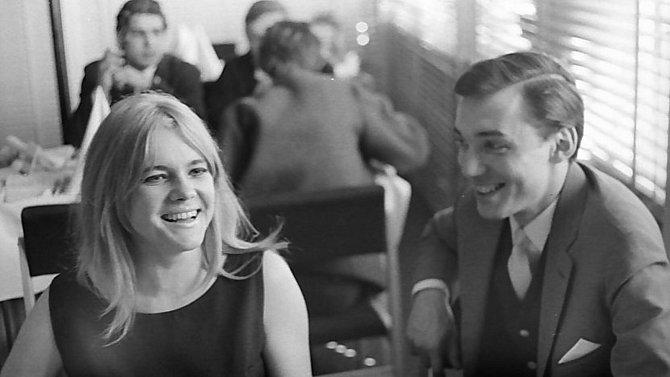 Snímky z akce Zlatý slavík, která se konala na přelomu března a dubna 1965 v Jeseníku.