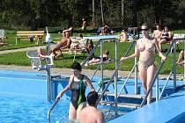 Díky mimořádně teplému počasí zahájilo termální koupaliště ve Velkých Losinách sezonu v předstihu už 28. dubna.
