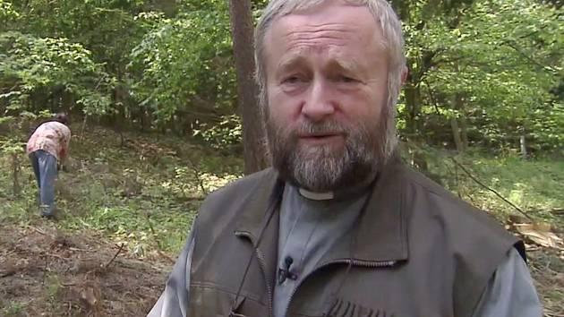 Kněz František Eliáš zúročil své původní lesnické vzdělání i v povolání duchovního.