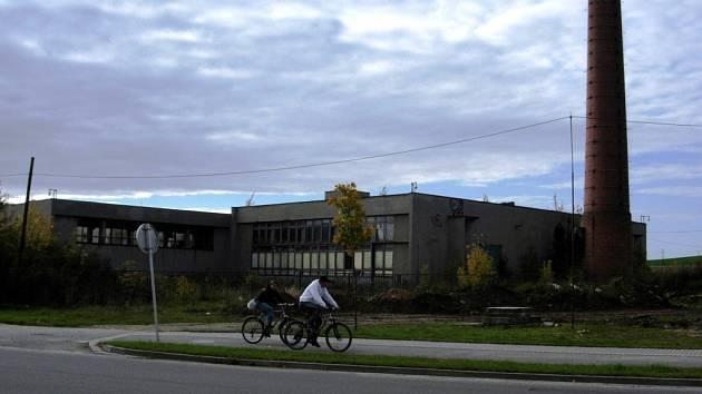 Stará kotelna v Šumperku, kde mělo stát jedno z obchodních center.