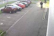 Před budovou bývalého okresního úřadu v Šumperku se v pondělí 2. října ráno srazili dva cyklisté. Viník z místa nehody ujel.