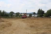 Výstavba sportovního areálu u pískovny v Postřelmově