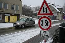 Provoz v Zahradní ulici v Zábřehu bude nejméně do června a možná i natrvalo obousměrný