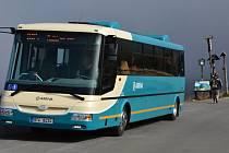 Na Ovčárnu v Jeseníkách vozí turisty elektrobus.