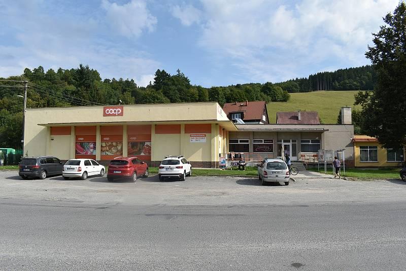 Oskava - nákupní středisko.