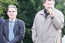 Jan Rýznar (vvlevo) a jeho Slovo Občana Zábřeha je absolutní vítěz se 4 mandáty, Jiří Černý z kandidátky Zdravý Zábřeh se 3 mandáty je s ním úzce propojený. Oni budou sestavovat koalici