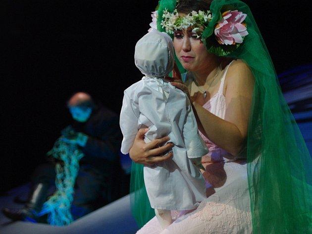 První premiéra letošní divadelní sezony v Šumperku u diváků bodovala.