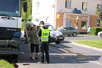Snímek dopravní nehody z roku 2005 na křižovatce ulic Lidická a ČSA