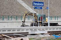 Rekonstrukce železniční trati v Hanušovicích. Září 2016