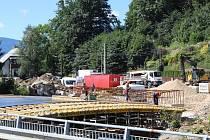 Stavba rejvízského mostu, stav 8. srpna 2017.
