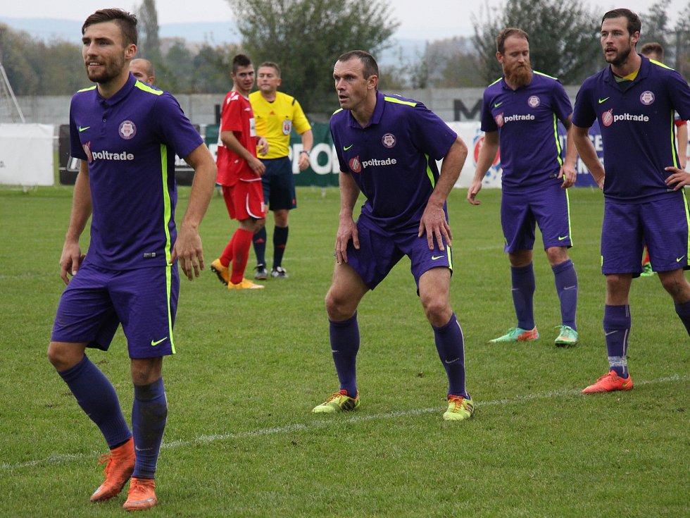 Veterán Lubomír Pinkava (uprostřed) se vrací do Mohelnice