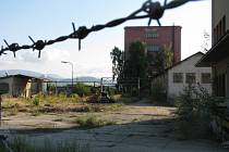 Areál bývalé sklárny v Rapotíně.