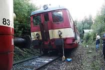 Vlak po střetu s lokomotivou