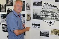 Petr Možný ze Šumperka, z jehož bohaté sbírky fotografií a pohlednic také čerpaly autorky výstavy, ukazuje na unikátní fotografii z rodinného archivu podpluk. Bašného. Na snímku je prostor mezi Sanatorkou a kasárnami. Plocha je v současné době zalesněna.