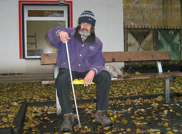 Osmačtyřicetiletý bezdomovec Karel Štěpán