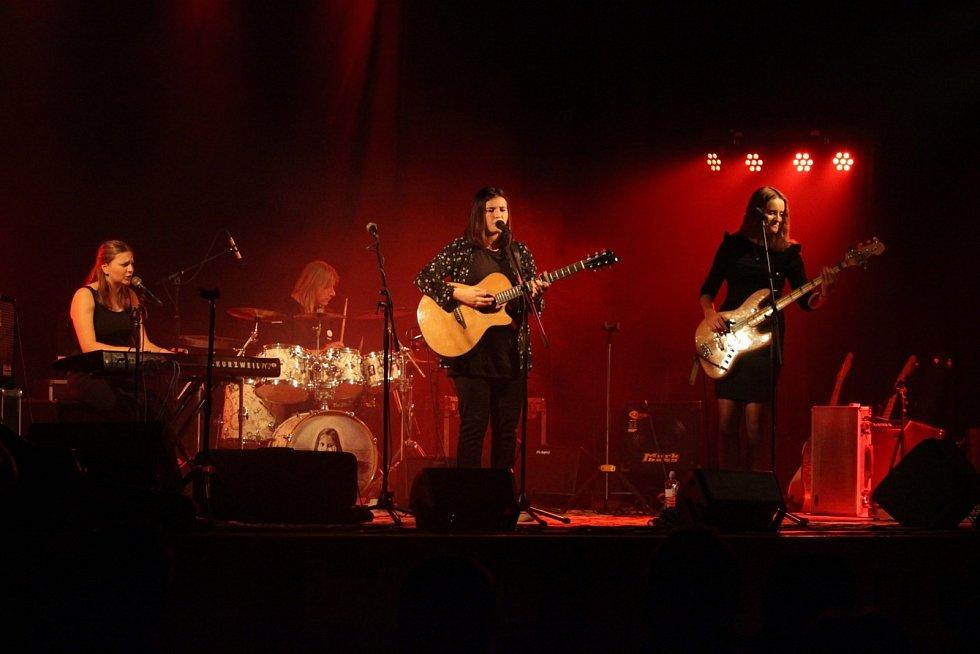 Kapela The Addams Sisters - vánoční koncert v Moravičanech, 2019