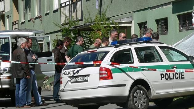 Policie vyšetřuje místo činu