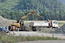 Výstavba obchvatu Bludova v srpnu 2021, mezi Bludovem a Sudkovem.