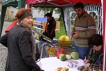 Sbírku potravin uspořádala ve středu 8. října Charita v Zábřehu. Cílem je naplnit potravinový sklad, z něhož Charita poskytuje pomoc potřebným. V pátek 10. října se stejná sbírka uskuteční v Mohelnici.