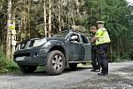 Kontroly neukázněných řidičů v lesích v Rychlebských horách.