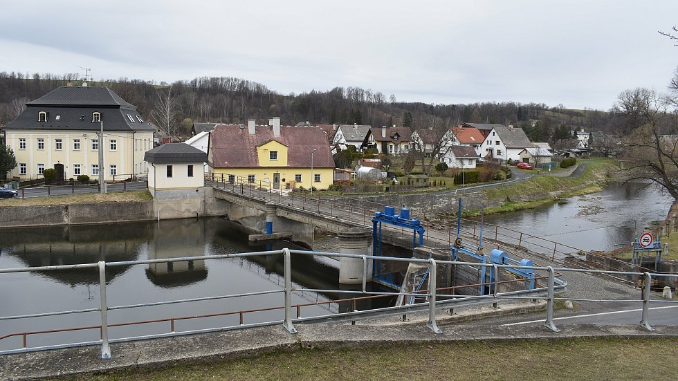 Mikulovice - pohled na obec