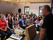 Na sto padesát bývalých členů Šumperského dětského sboru Motýli se v sobotu 21. září sešlo na soustředění na Švagrově.