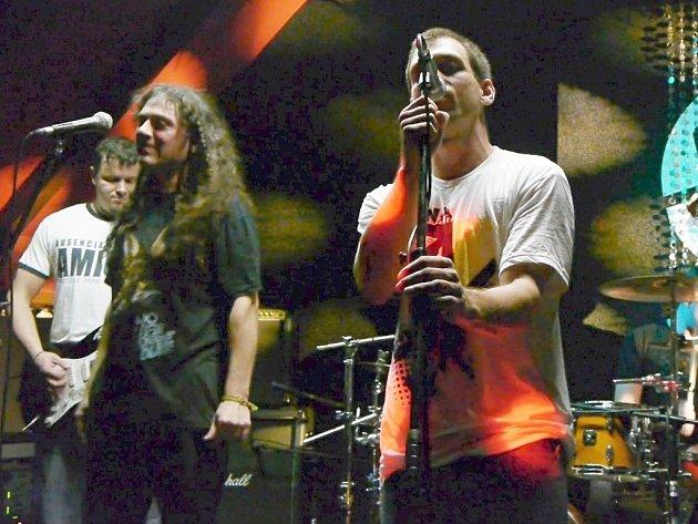Kapela Sioux patří už na Šumpersku k nestárnoucím rockovým legendám. Na Štěpána zahraje v šumperském H-clubu.