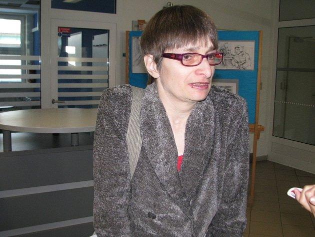 Marta Ambrosová ze Šumperku, matka napadeného mladíka, se zúčastnila tiskové konference, na které policie podala informace k závažnému případu vydírání.