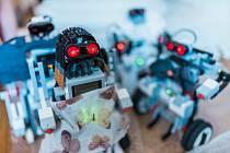 Divadlení hra Rossumovi univerzální roboti (R.U.R.)