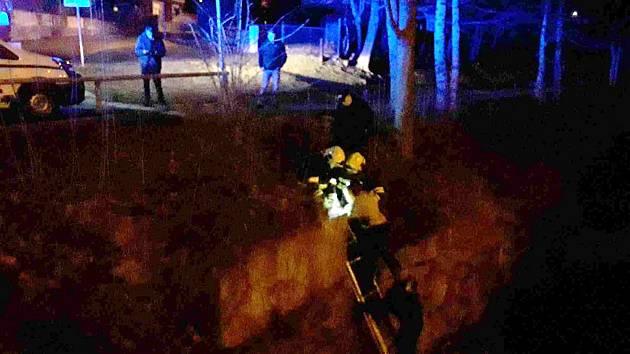 Záchrana dvou lidí z koryta řeky Bělé v Jeseníku